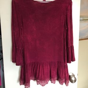 Altar'd State Garnet lace-trimmed top size small